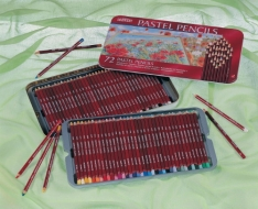 Laurence Mathews Derwent Pastel Tin of 72 Pastel Pencil Tin (72)